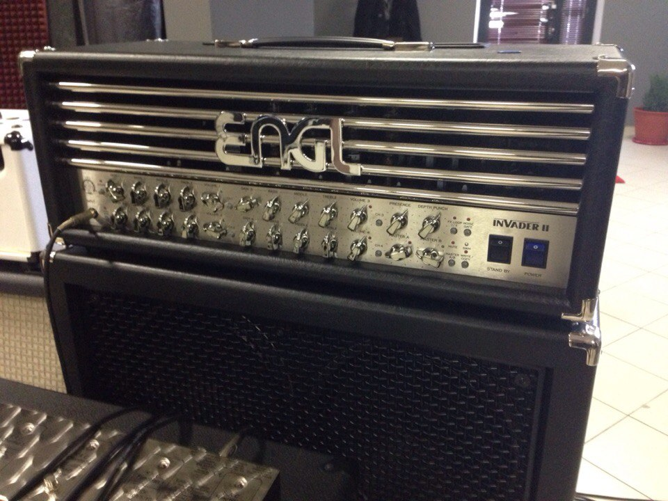 Студия Famous Music. ENGL INVADER-II 100W All-tube Guitar Head Amp в студии звукозаписи «Famous Music». AProduction.  #fa...