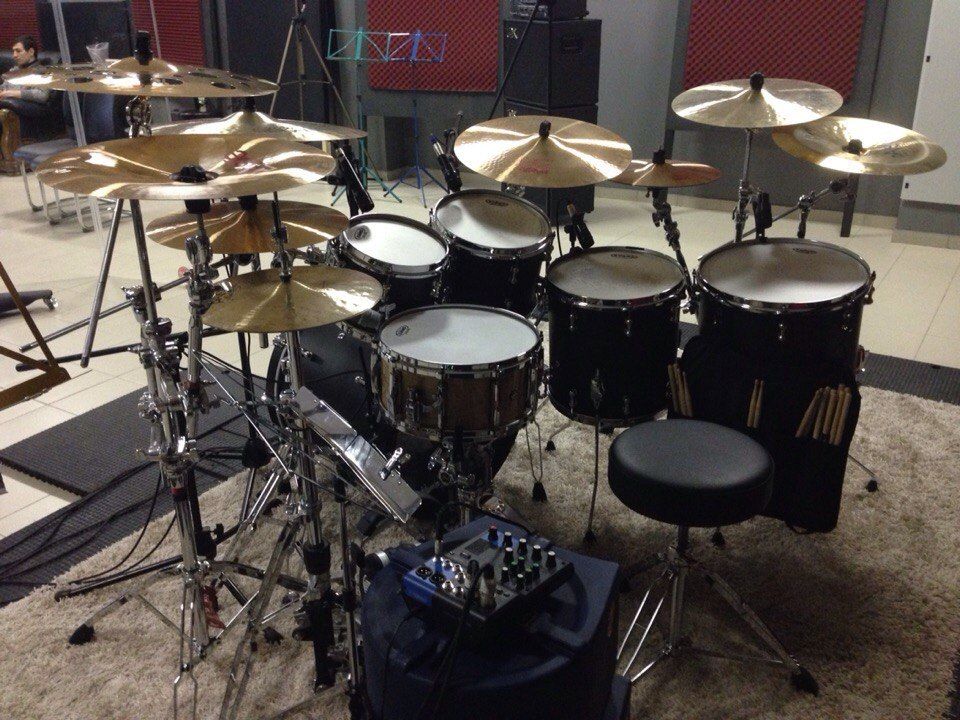 Студия Famous Music. Pearl Reference Pure в студии звукозаписи «Famous Music». AProduction.  22